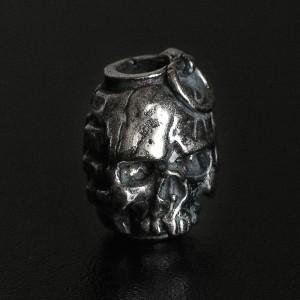 """Бусина для темляка """"Череп - граната"""", ручное литье с серебряным покрытием (гальваника)"""